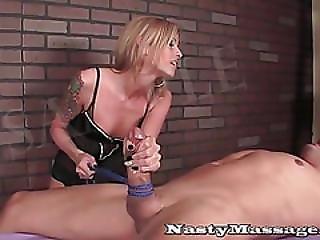 rubia, dominación, femdom, handjob, duro, masaje