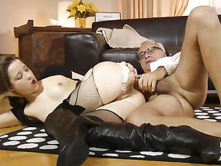Glam Eurobabe Fucked Right Into An Asshole By British Geriatric