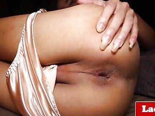 Masturbating Lady-boy Widens Her Gaped Butt