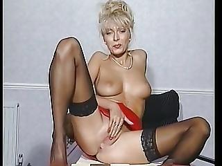 Lea Martini Solo In Red