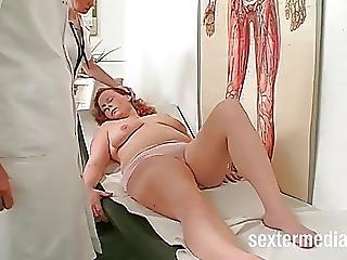 Nicole Beim Frauenarzt