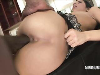 Tia Cyrus Fucks And Takes The Cum On Her Face