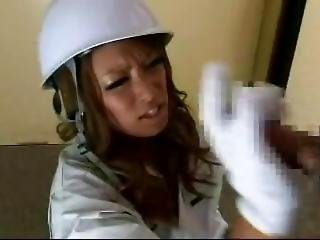 Construction Female Worker On Gloves Tekoki