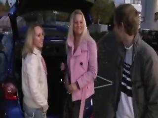 blond, blowjob, brunette, cumshot, knulling, tysk, park, offentlig, Tenåring, trekant, leker