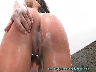Super Pretty Amateur Teen Shaved And Fingering Wet In Bathtube