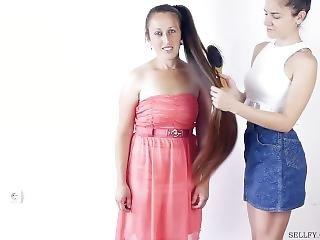 bonasse, lesbienne, cheveux longs