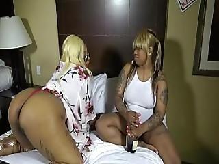 Layla Red Eats Pussy Like A Man Like A Man Till She Cum