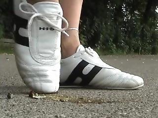 White Sneakers Snail Crushing2