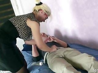 German Mature Psychologist Fuck Client With The Monster Cock