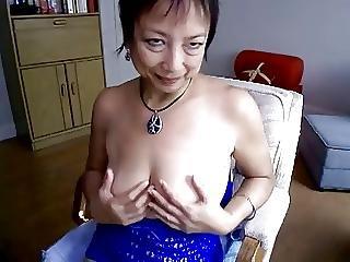 Asian mature hot masturbation in webcam