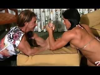 Jennifer Scarpetta Vs Debra (strong Female Girls Armwrestling)