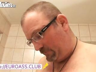 Shaving Bj