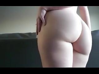 Big Ass White Girl Twerking