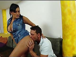 Curvy Babe With Natural Big Tits Gets Fucked