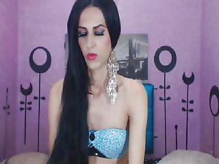 Gorgeous Hot Shemale Babe Strip On Cam