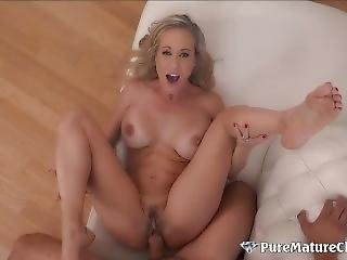 Hot Milf Brandi Love Speads Her Mature Pussy For Young Cock
