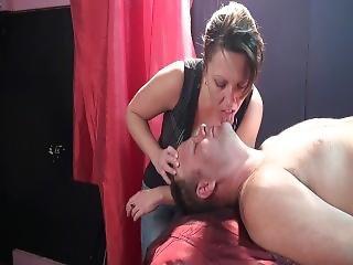 Face Licking Milf