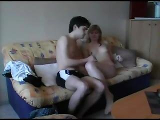 Young Amateu Couple Sex Tape