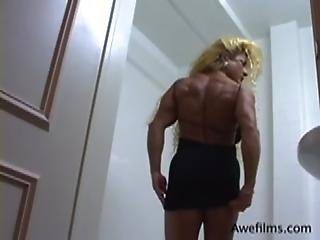 Lynn Mccrossin Shows Off Her Orgasmic Muscled Body In Front Of The Mirror