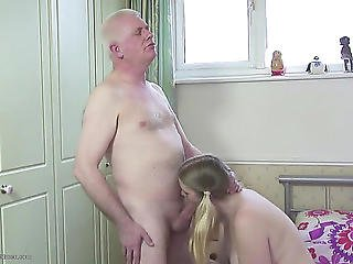 Bulky Cutie Screwed By Grandpa's Penis Menacing-threatening Porndoe