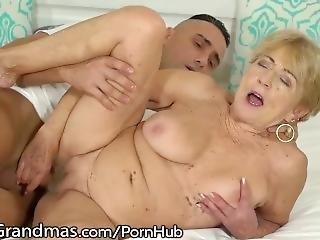 Μαύρο γιαγιά πρωκτικό σεξ