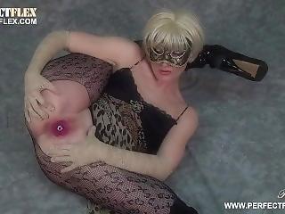 blondine, maske, onanieren, sex, solo, spielzeug, yoga