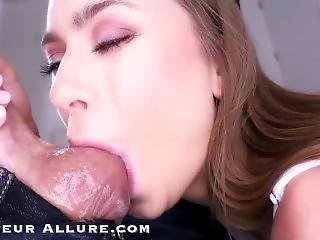 amatööri, typykkä, suihinotto, brunetti, sperma, spermannielentä, mällääminen, syväkurkku, käsityö, pornotähti, pov, nieleminen