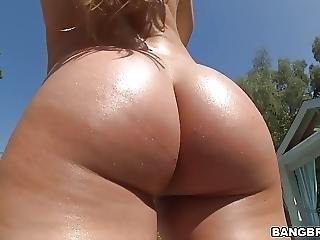 Nice Big Ass Nicole Aniston Takes Huge Cock