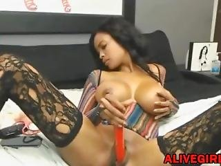 Stunning Ebony Ravenxxx_with Huge Boobs Masturbates And Squirts