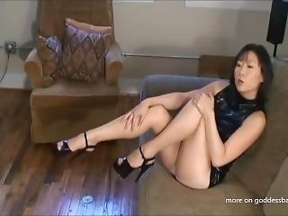 Sexy Asian Girl Pantyhose Tease