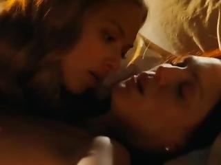Julianne Moore And Amanda Syfried Nude (only Boobs Scene)