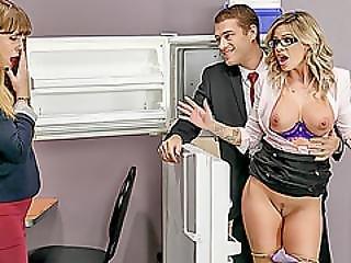 blondynka, wytrysk, twarz, ruchanie, hardcore, hugetit, biuro, sekretarka, miejsce pracy