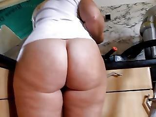 Amateur, Ass, Butt, Fat, German, Kitchen