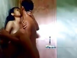 Bhopal College Girl Ayushi... Sex Durning Bath.....mast Chodai!!!!