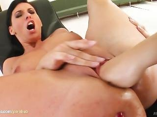 Zaisa Shine - Lisa Sparkle Fisting As Lesbians Do On Fistflush