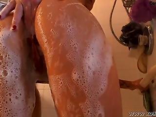 Gis€le Shower 2