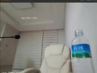 amatør, asiat, fake bryster, hjemme, hjemmelavet, koreansk, lingeri, bad, alene, toilet, webcam