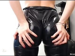 Bubble Butt Twerking In Tight Latex Leggings