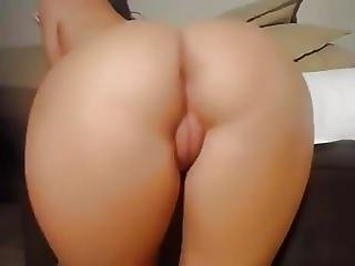 Tight 18 Yr Old Pink Pussy Shaved Up Close At Camspicy C0m
