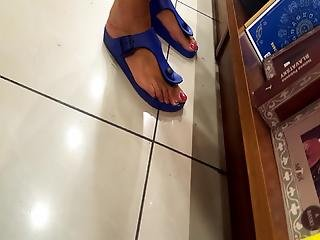 Her Too Sexy Feets, Long Toes, Want To Suck Them