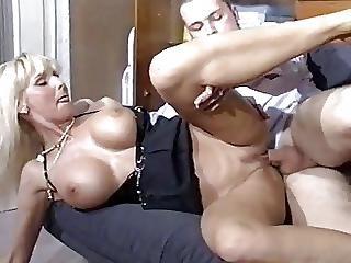 Garndes Mamas, Loira, Mamas, Foder, Alemão, Estrela Porno, Sexo No Sofá