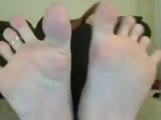 Toe Spreading Drunk Girl