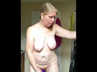 Real Milf Michelle Masturbating With Dildo