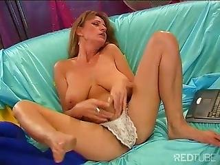 Diane Brings Herself To Orgasm With Huge Dildo