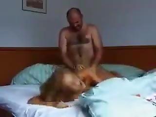 Brutális házi pornó