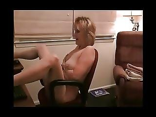 Florida Mature Filming Herself In Real Webcam Session