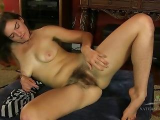 Katie Z Shows Off