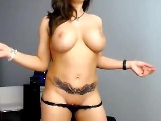Hot Big Boob Babe Twerk And Strip