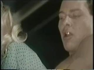 Moana Pozzi - Le Calde Labbra Di Moana Sc.2.