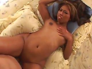 Nadi Phuket Plays The Large Penis And Has Her Trimmed Japanese Vagina Smashed